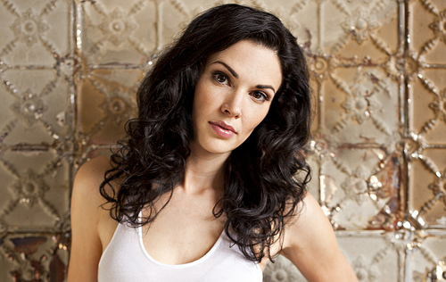 Laura-Mennell